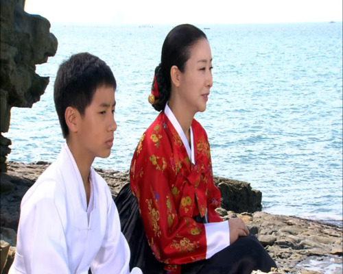 Noh min woo who played the teenage version of the main character, Lee Mi Reuk, in Amnok River Flows (Yalu River Flows)